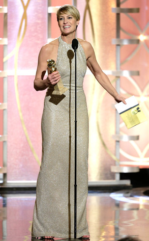 rs_293x473-140112190122-634.Robin-Wright-Golden-Globe-Awards-Stage.ms.011214_copy